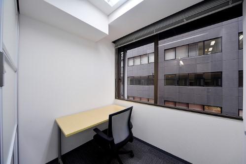 完全個室、窓付のお部屋
