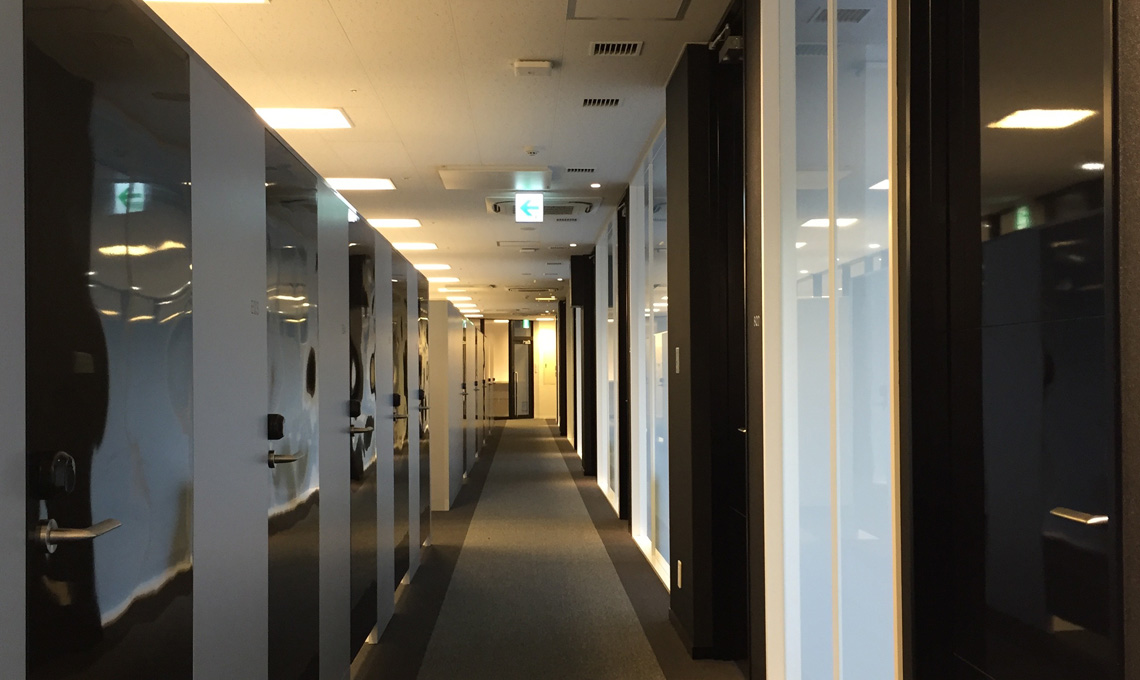 レンタルオフィス・シェアオフィス・コワーキングスペースの会議室、ブース予約、管理