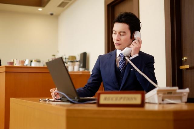 宿泊・観光業向け スマホ内線化で電話対応の悩みを解決