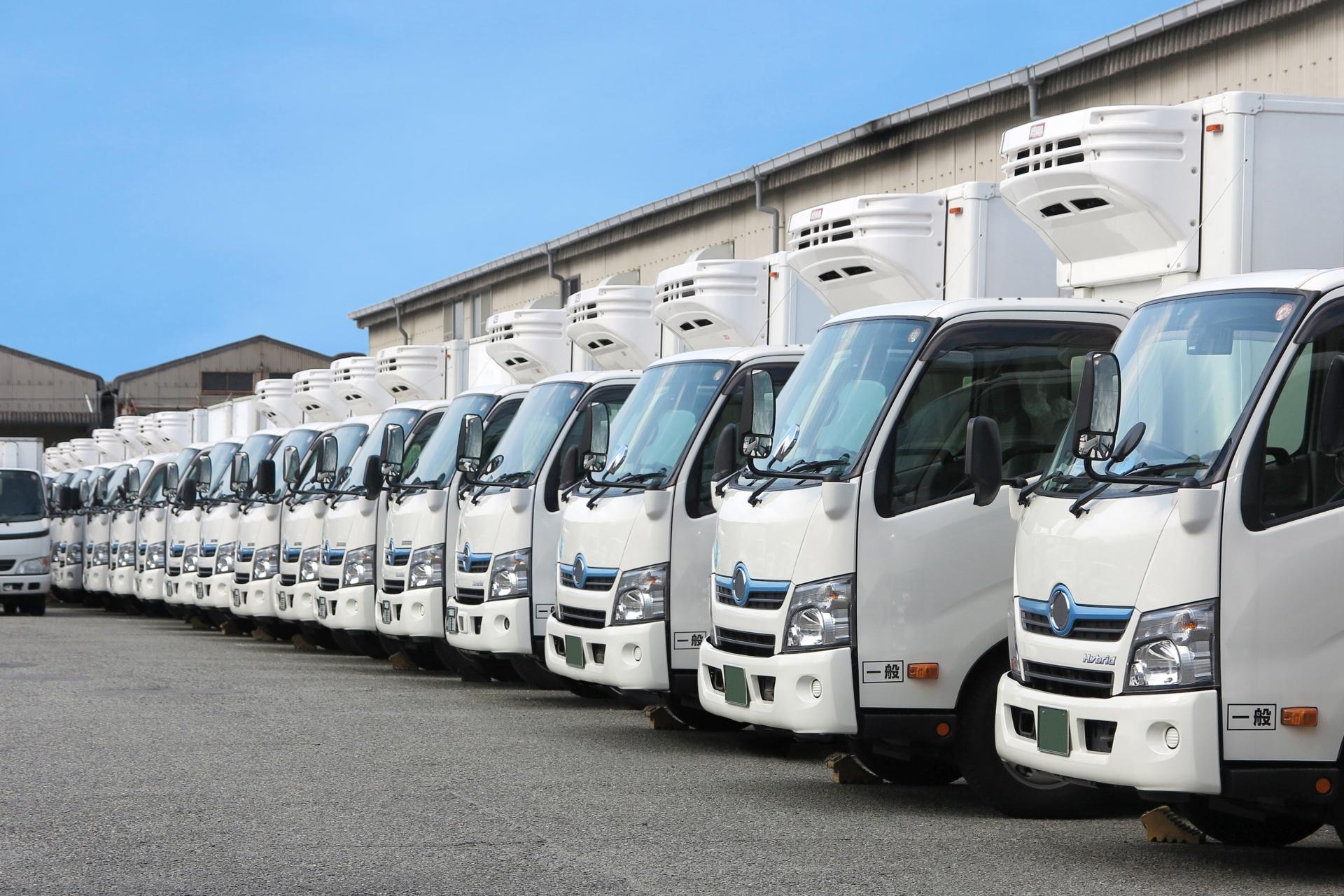 小規模運送会社向け インターネットを利用したスマホ内線化・勤怠管理システムで業務効率を改善